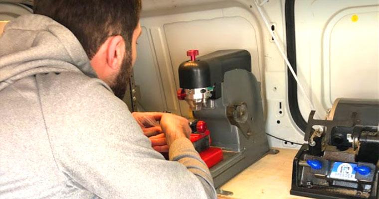 Auto locksmith – Car Key Replacement